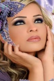 فتاة عراقية اعيش بمصر مع والدتى المصرية