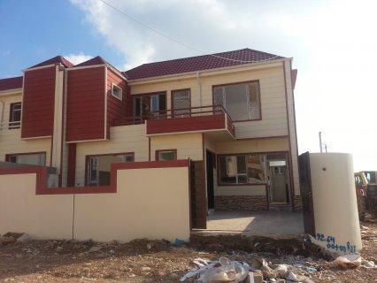 منزل بأرقى تصميم وبسعر مناسم