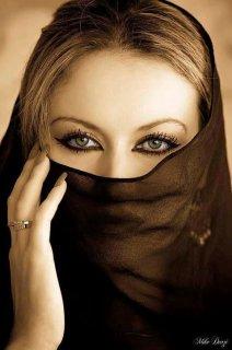 انا فتاة من العراق 31 سنة ارغب بالاستقرار