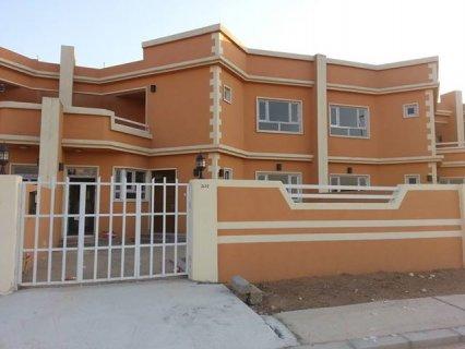 منزل طابقين ب85000 دولار