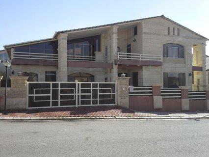 منزل جديد طابقين بتصميم راقي ومميز للبيع في اربيل