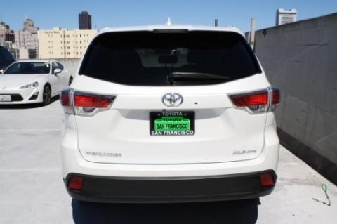 صور Selling My Used 2014 Toyota Highlander XLE SUV 4