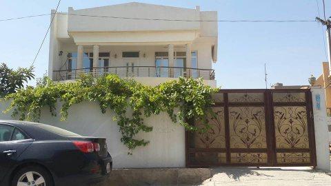 بيت في روناكي من الباصو07508433333