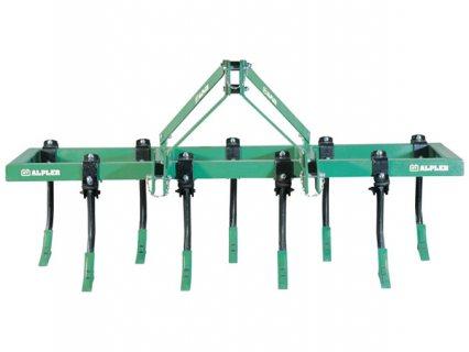 آلات فلاحية محراث  قلاب التراب ذو 11 قدم