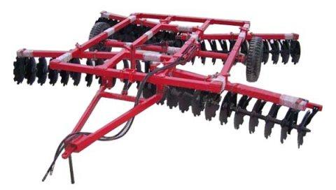 آلات فلاحة وتسوية التربة